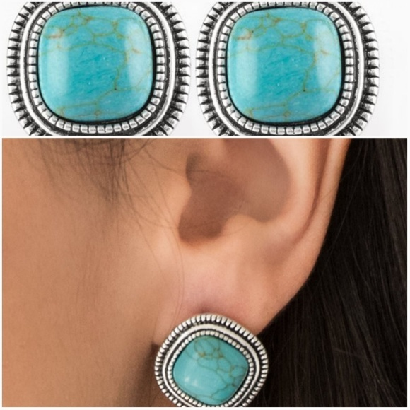 paparazzi Jewelry - FRONTIER RUNNER TURQUOISE EARRINGS